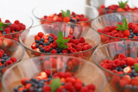 Mixed Berries to accompany the Wedding Cake - Else Event Catering