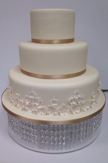 wedding cake simple - Sky Cakes