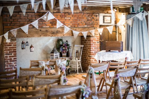 Lace and hessian rustic weddings
