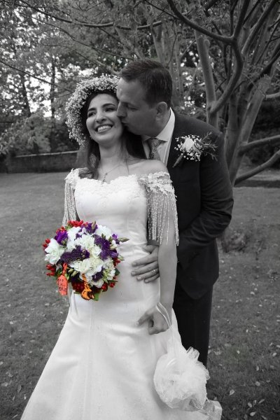 colour selective wedding photo - Laszlo Photography