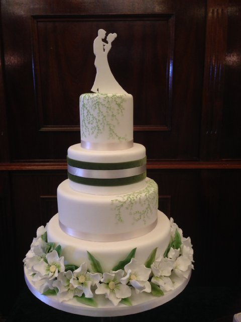 Contemporary Style Wedding Cake in Green and White