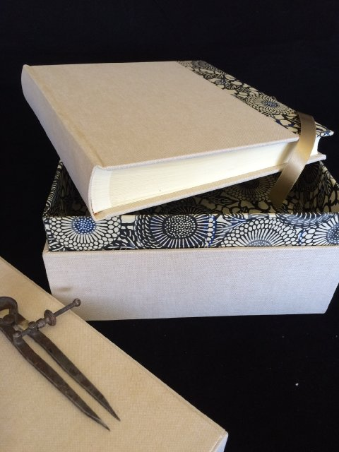 Photo album bound in linen and chiyogami