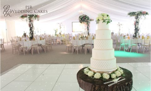 Elegant natural wedding cake theme - PJR Wedding Cakes