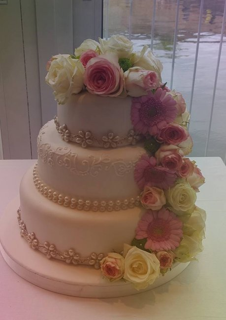Wedding Cakes and Catering - The little house of baking -Image 19636