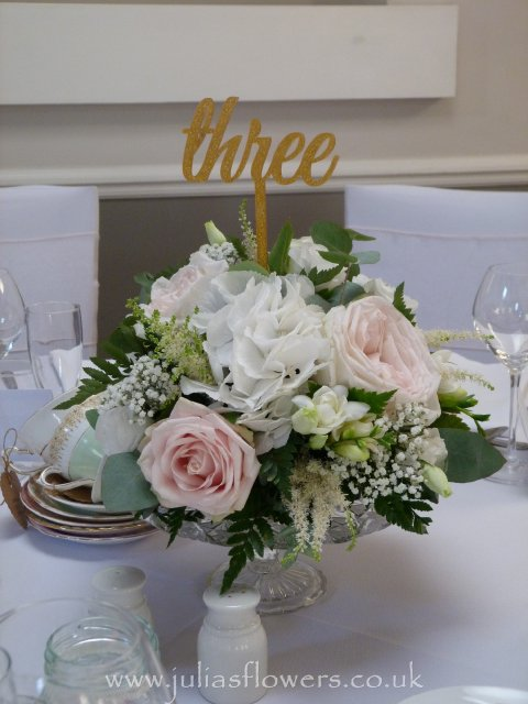 Posy Table centre on Glass Plate Stand