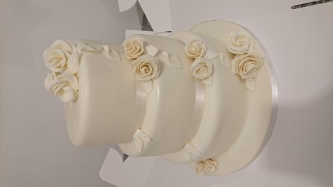 Simple but elegant in any colour - Speciality-Cakes