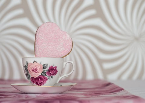 Pink lace iced cookie favour Photo: Sarah Ellen Bailey - The Confetti Cakery