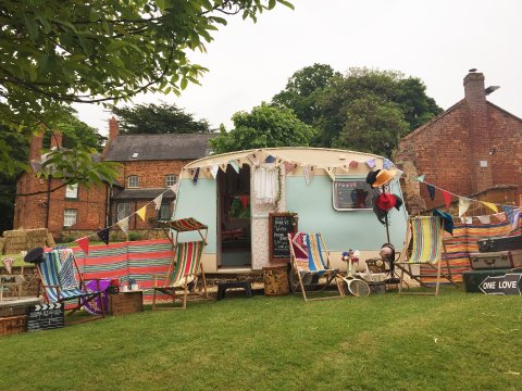 Vintage caravan photo booth - Dollys Vintage Tea Party