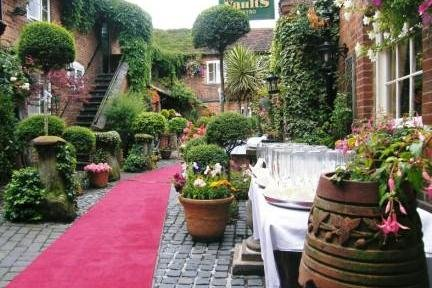 Courtyard Wedding at the Greyhound Lutterworth - The Greyhound Coaching Inn and Hotel