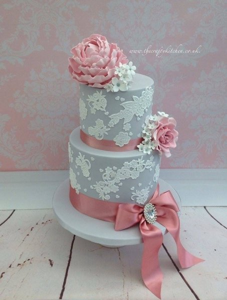 Vintage Lace Wedding Cake - The Crafty Kitchen