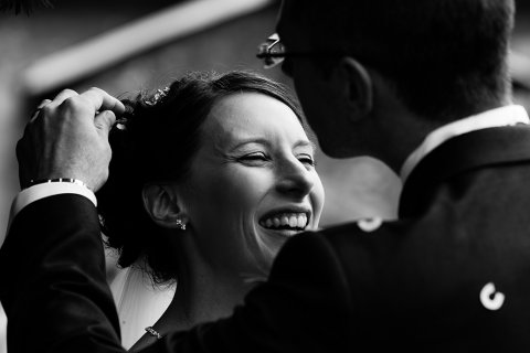 Herts wedding: looking for confetti - Lumiere Photography