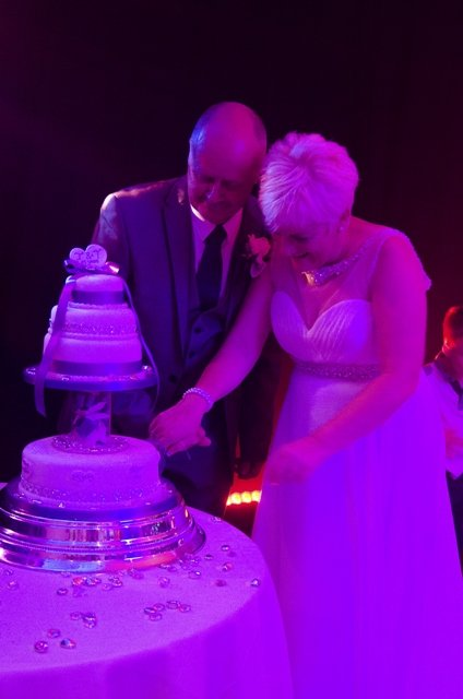 Cutting the Cake (Atmospheric lighting)