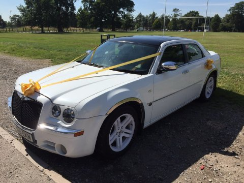 Baby Bentley Chrysler 300C - Price Wedding Cars