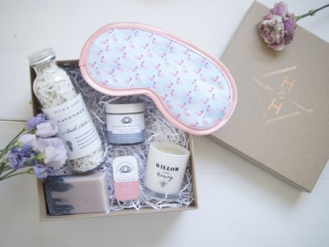 Hanson & Hopewell Pamper Bride-to-be gift box