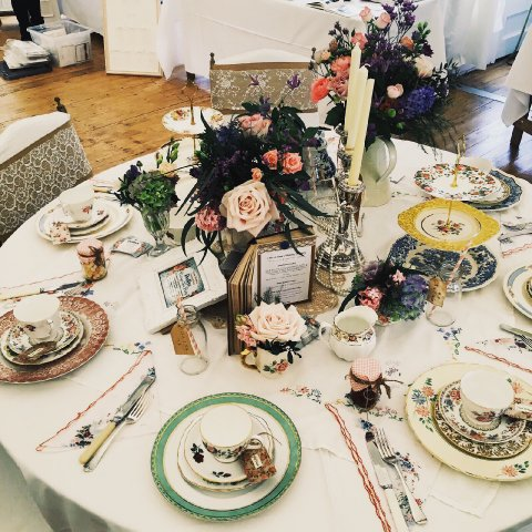 Vintage china and centre pieces