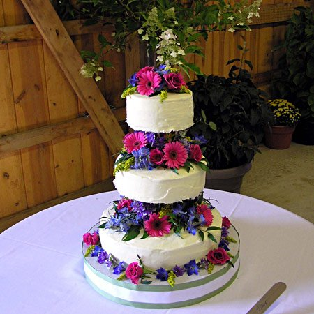 Magnificent wedding cake flowers - Bottom Of The Garden Flowers