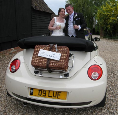 'just married' - Leicester Wedding Cars