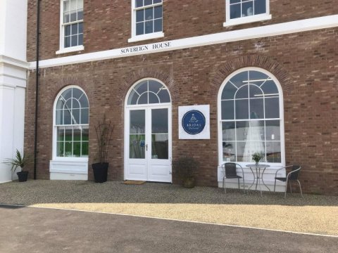 Exterior - Bridal Reloved Dorchester