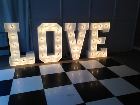 Light Up LOVE Letters