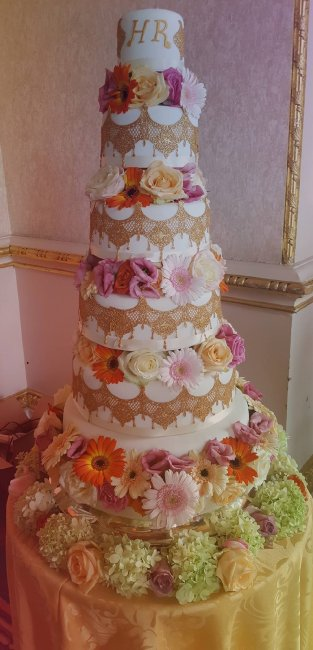 Wedding Cakes and Catering - The little house of baking -Image 34343