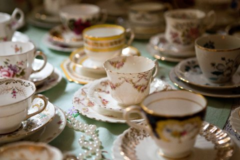 Vintage china hire - Dollys Vintage Tea Party