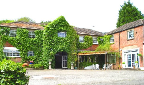 The Coach House Neath Abbey