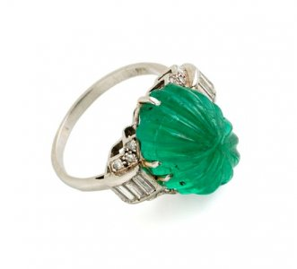 Colombian emerald, 9.5 cts est, baguette diamond & platinum Deco ring £12,500
