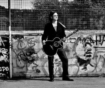 Casey - Acoustic Guitarist Vocalist