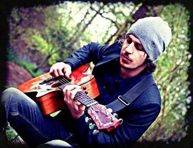 Gary Acoustic Guitarist Vocalist London