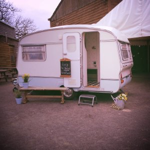 Lucy - Vintage Caravan Photo Booth