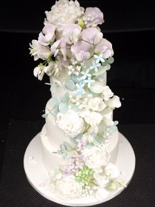 Wedding Cakes Berkshire - Petit Gateau
