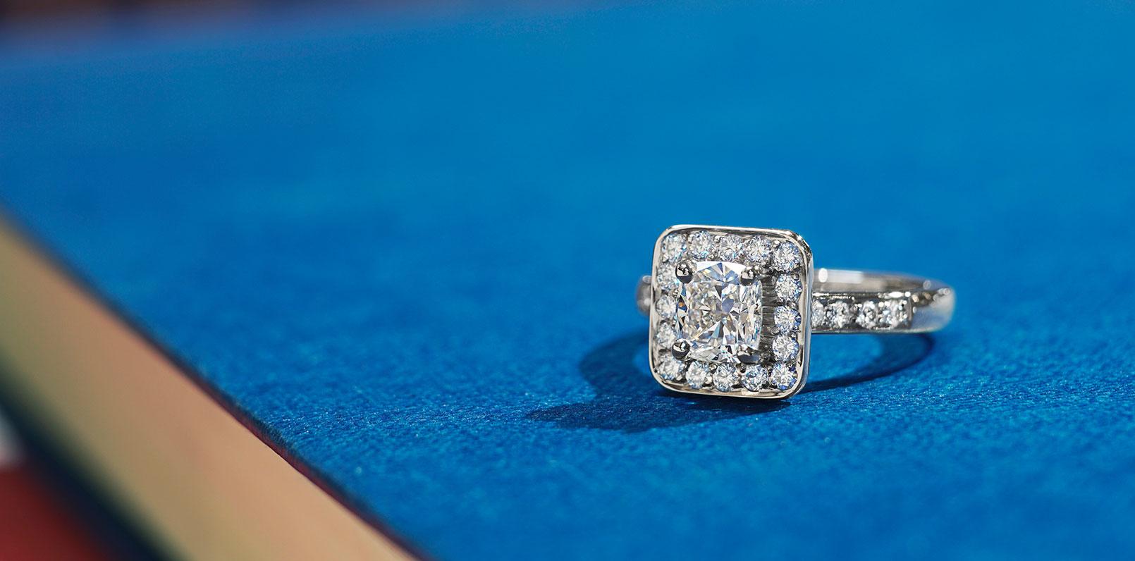 harriet-kelsall-bespoke-jewellery-diamond-engagement-ring[1].jpg