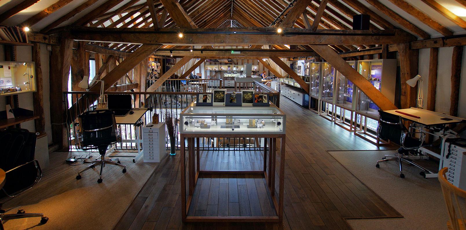 harriet-kelsall-bespoke-jewellery-hertfordshire-barn-interior[1].jpg