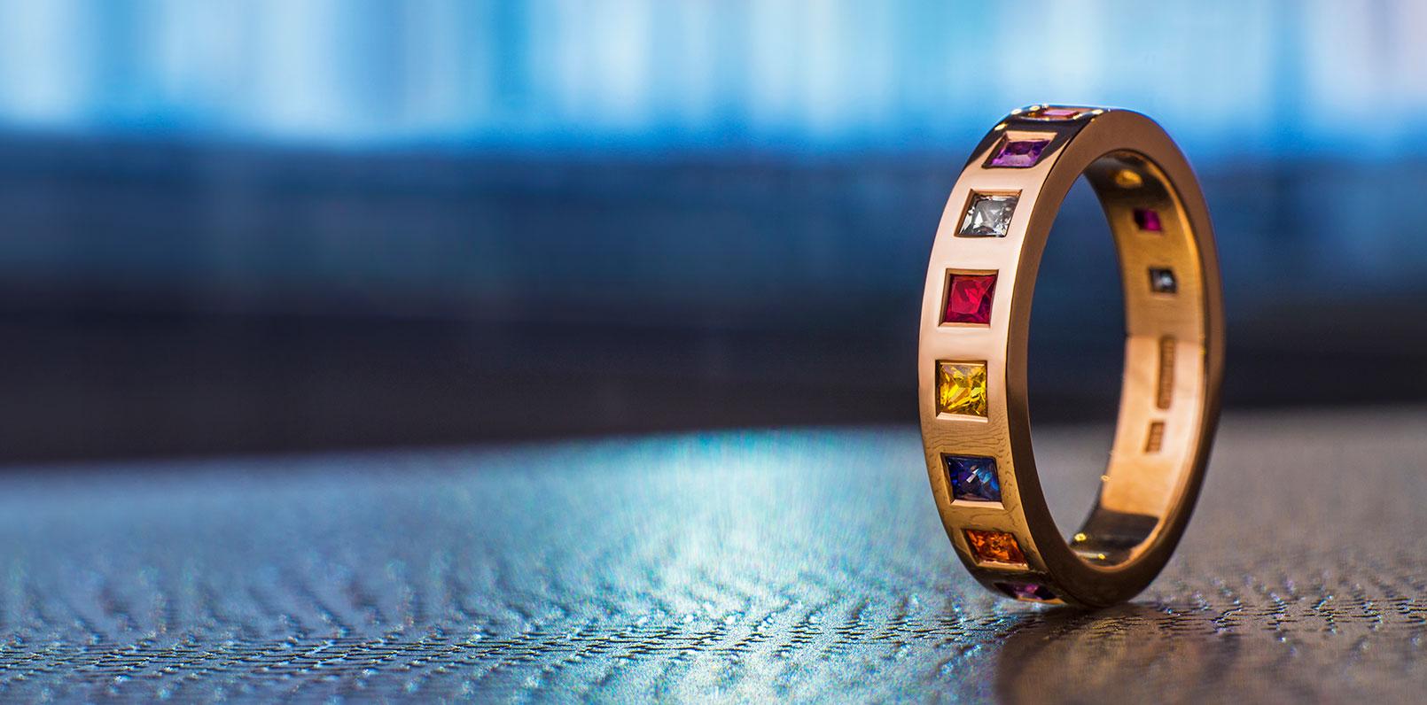 harriet-kelsall-bespoke-jewellery-multi-coloured-eternity-ring[1].jpg