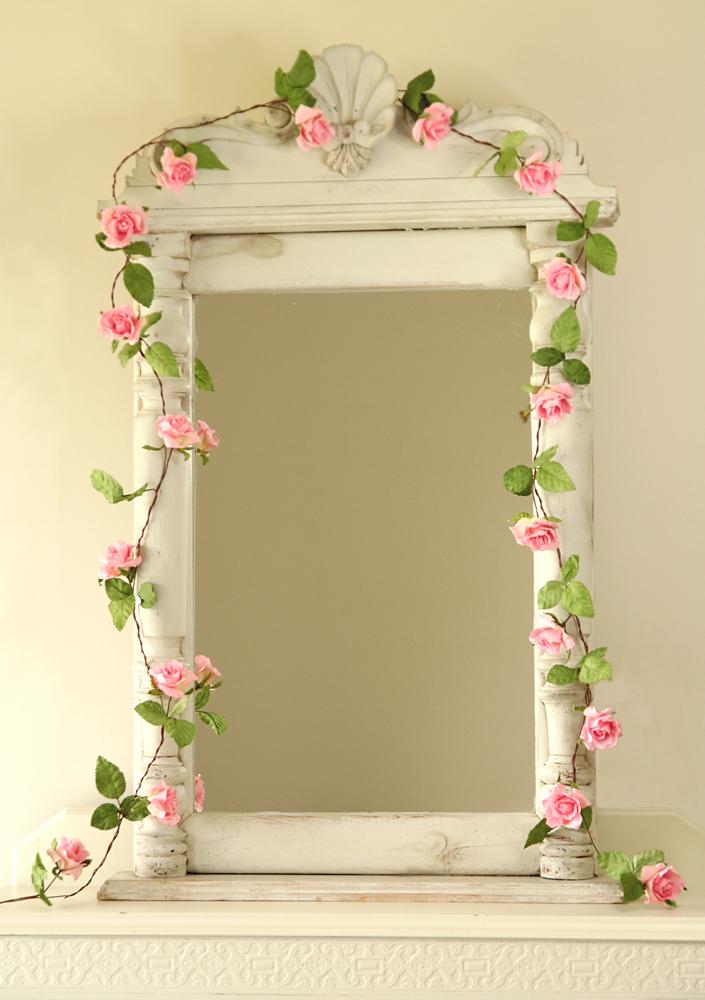 LBB - PAPER TREE paper rose garland.jpg