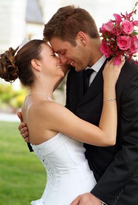 couple kiss p8.jpg