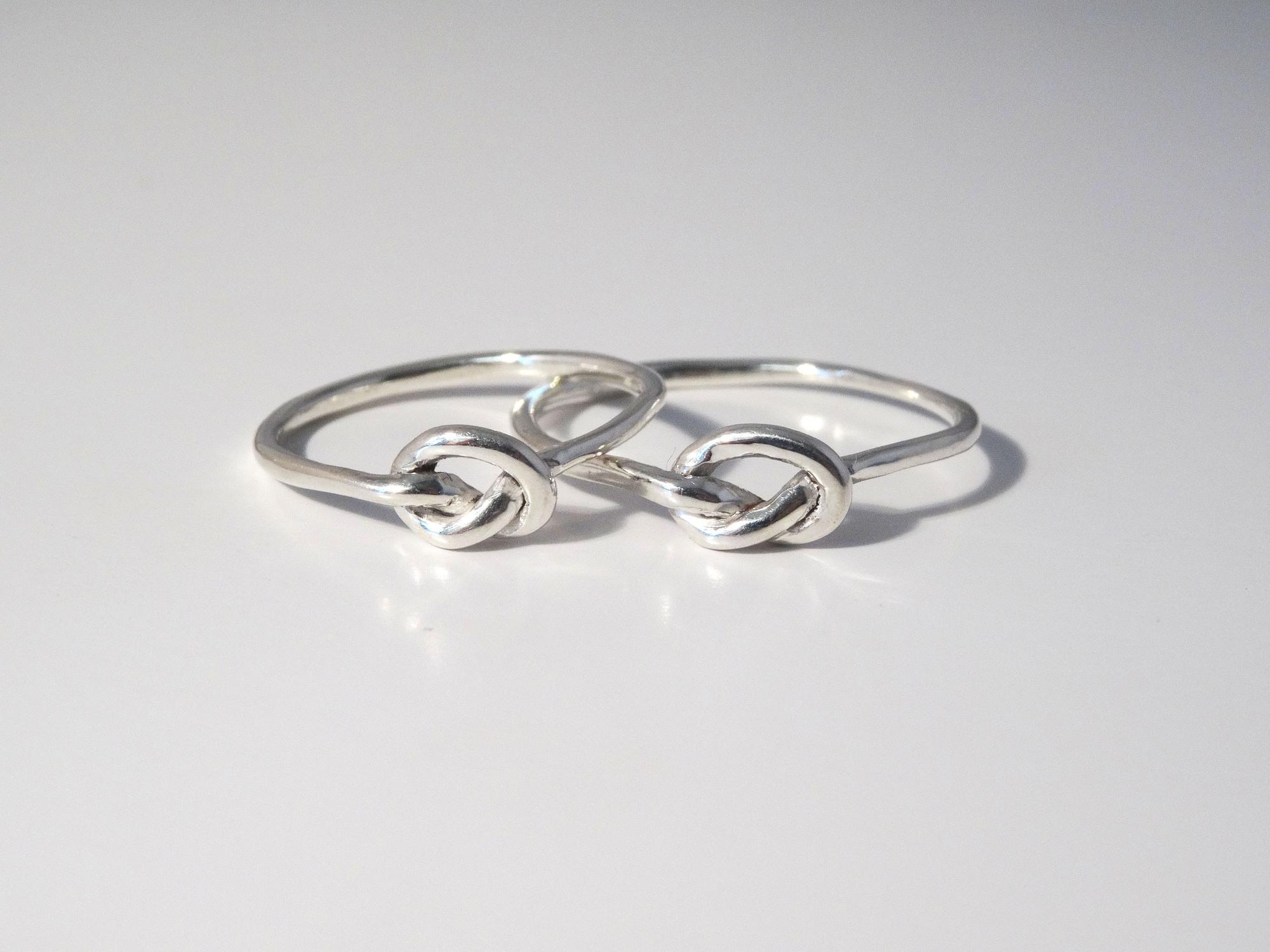 knot rings 350dpi 5000pix.jpg