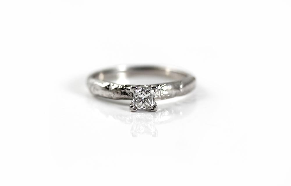 Diamond Ring 72dpi 1000pixel.jpg