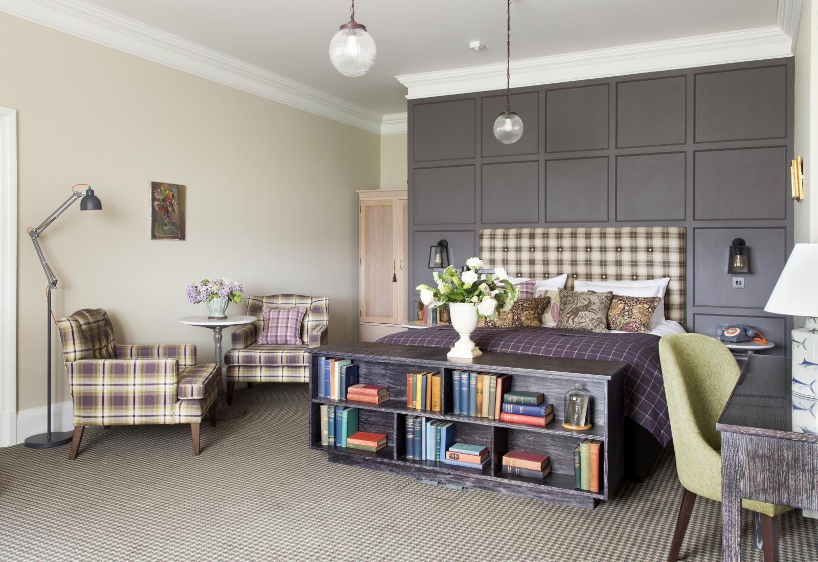 refueb bedroom.jpg