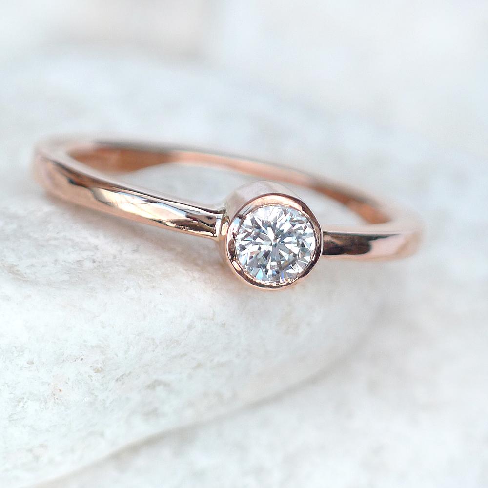 diamond-rose-gold-eng-ring.jpg
