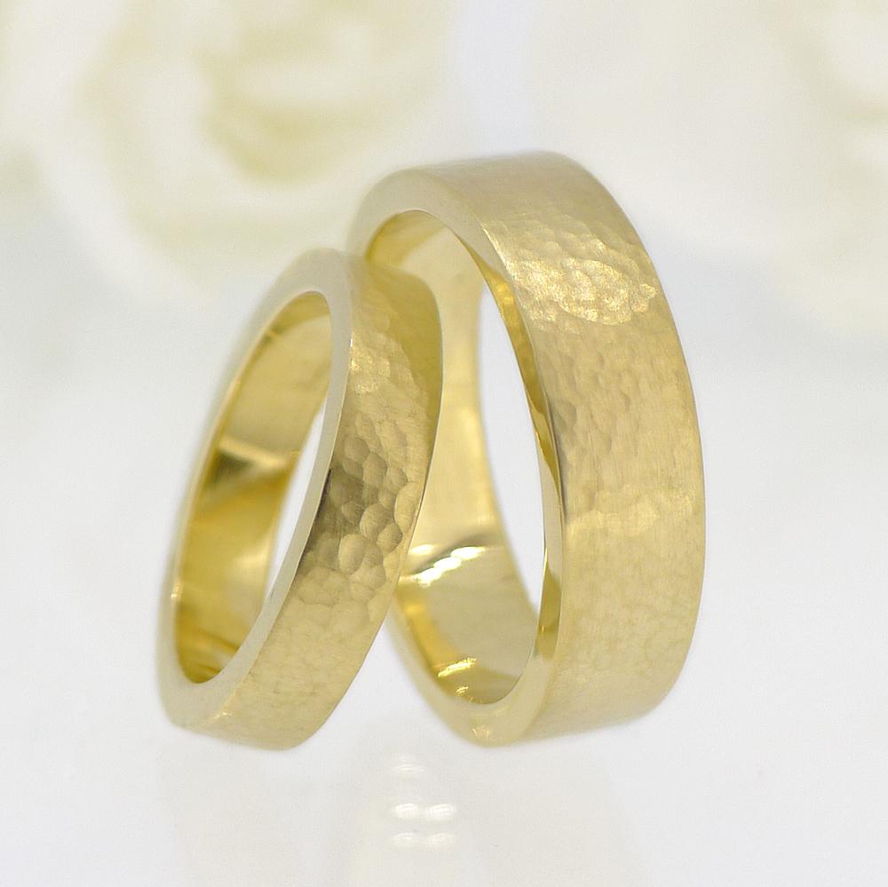 hammered-gold-ring-set-4.jpg